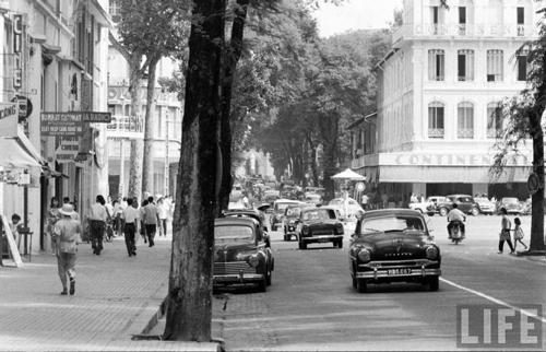 Đường Catinat, tức Đồng Khởi ngày nay, những năm 1961.