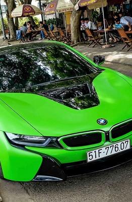 BMW i8 từng là mẫu xe thể thao hot nhất tại Việt Nam. Ước tính chỉ trong năm 2016, khoảng 30 chiếc được nhập về, đa phần tại TP.HCM.