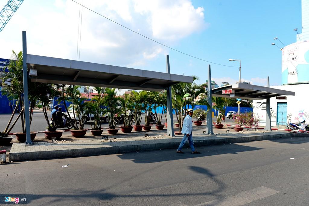 Nhà chờ cuối cùng còn sót lại chưa được tháo dỡ ở trạm xe buýt Bến Thành.