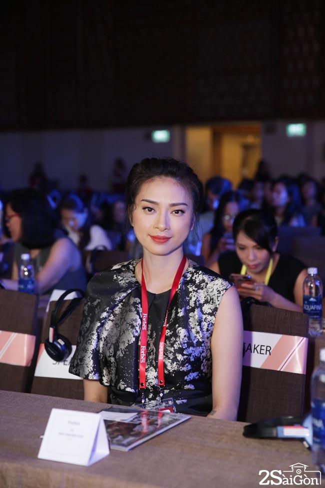 Ngo Thanh Van Top 50 Phu Nu Anh Huong Nhat Nam 2017 8