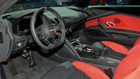 Khoang lái của R8 Sport Edition.