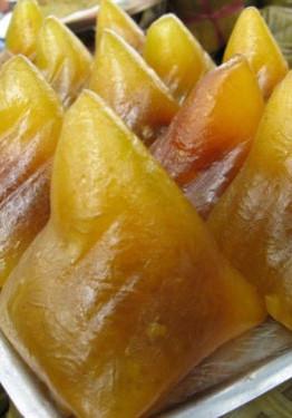 Bánh ú tro thường được cúng trong Tết Đoan ngọ