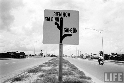 Xa lộ Biên Hòa lúc mới khánh thành. Ảnh: Life