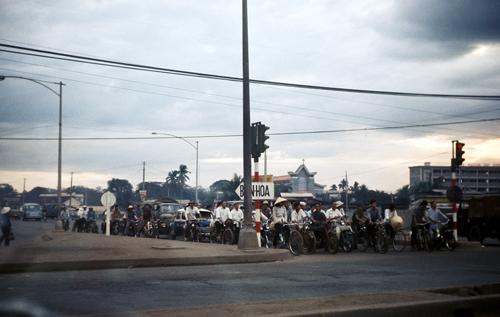 Ngã tư Hàng Xanh có biển chỉ dẫn về Biên Hòa. Ảnh: Flickr