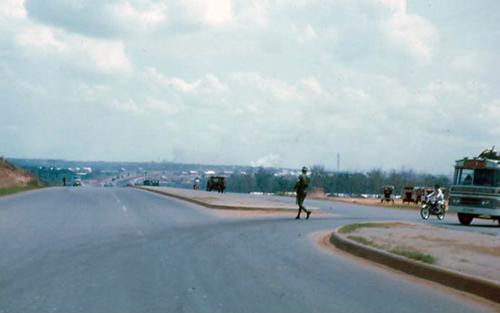 Tuyến Xa lộ Biên Hòa những năm trước 1975. Ảnh: Flickr