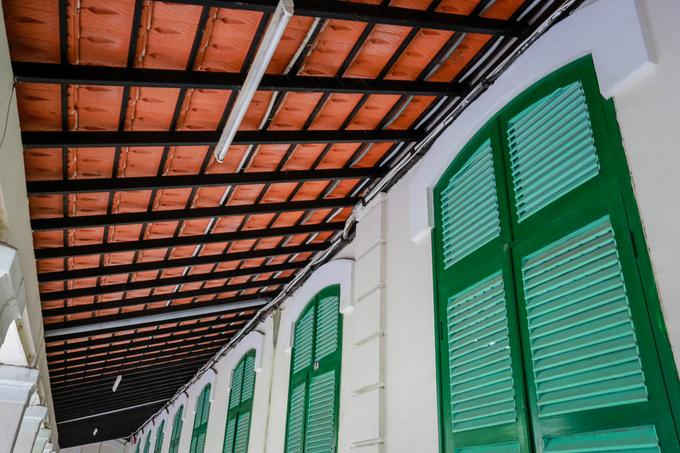 Cận cảnh kiến trúc Pháp tại khu nhà trước đây chỉ dành cho học sinh người nước ngoài.