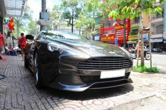 Aston Martin Vanquish màu nâu chì tái xuất trên đường phố TP.HCM