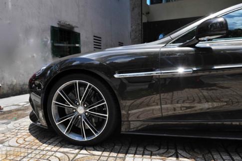 Aston Martin Vanquish màu nâu chì độc nhất Việt Nam