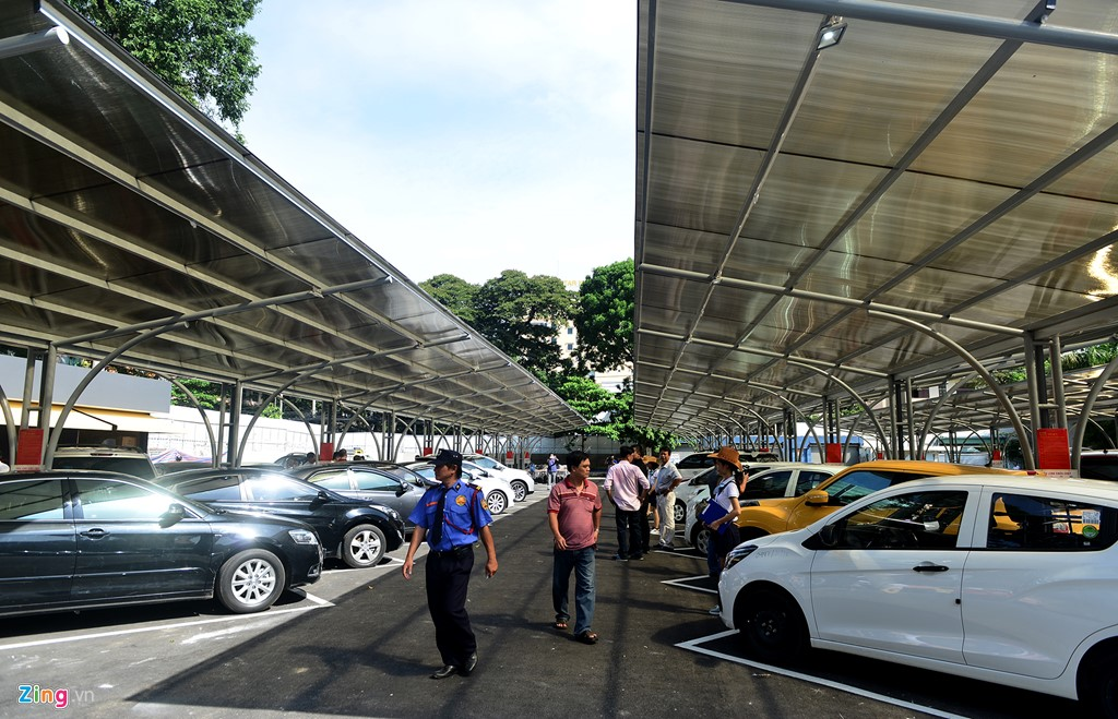 Dự án mang tên Chợ xe kiểu Mỹ - Sago Auto lần đầu tiên xuất hiện tại TP HCM. Bên trong, chợ xe này chứa được khoảng 150 xe.