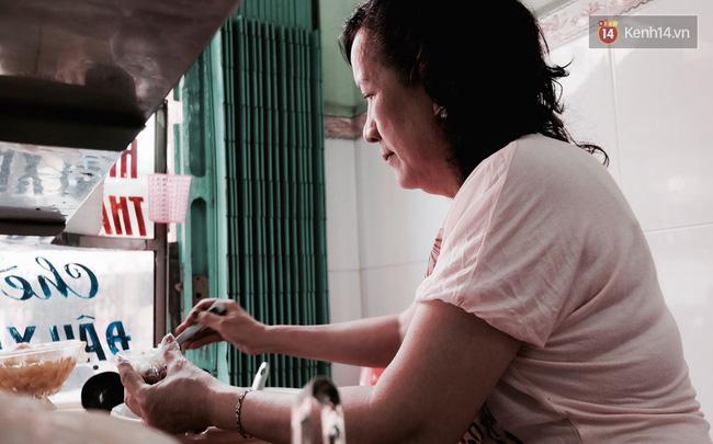 Bà Nguyệt Minh thay bố kế nghiệp quán chè Hiển Khánh.
