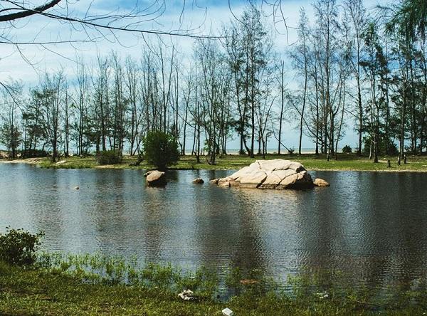 Hồ Cốc là bãi biển nhỏ nằm trên địa bàn xã Bưng Riềng, huyện Xuyên Mộc, tỉnh Bà Rịa Vũng Tàu. Ảnh: Okidonkeyz.