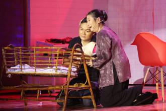 2. NS Kim Phuong va Quach Cung Phong trong tiet muc cua DD Xuan Trang (1)