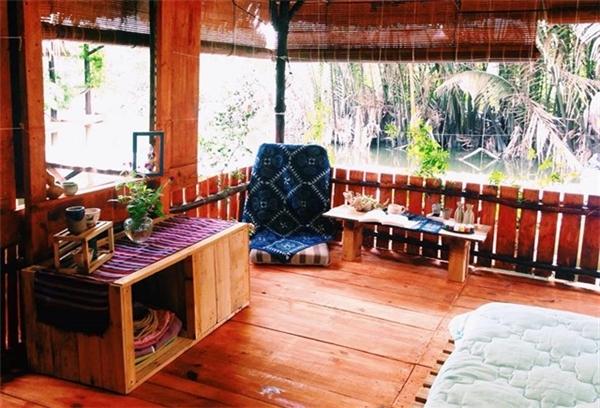 Các phòng tại khu homestay này sở hữu phong cách cổ điển, ấm cúng và vô cùng gần gũi với thiên nhiên đã khiến cho nhiều bạn trẻ khi đã đến rồi lại không muốn về.