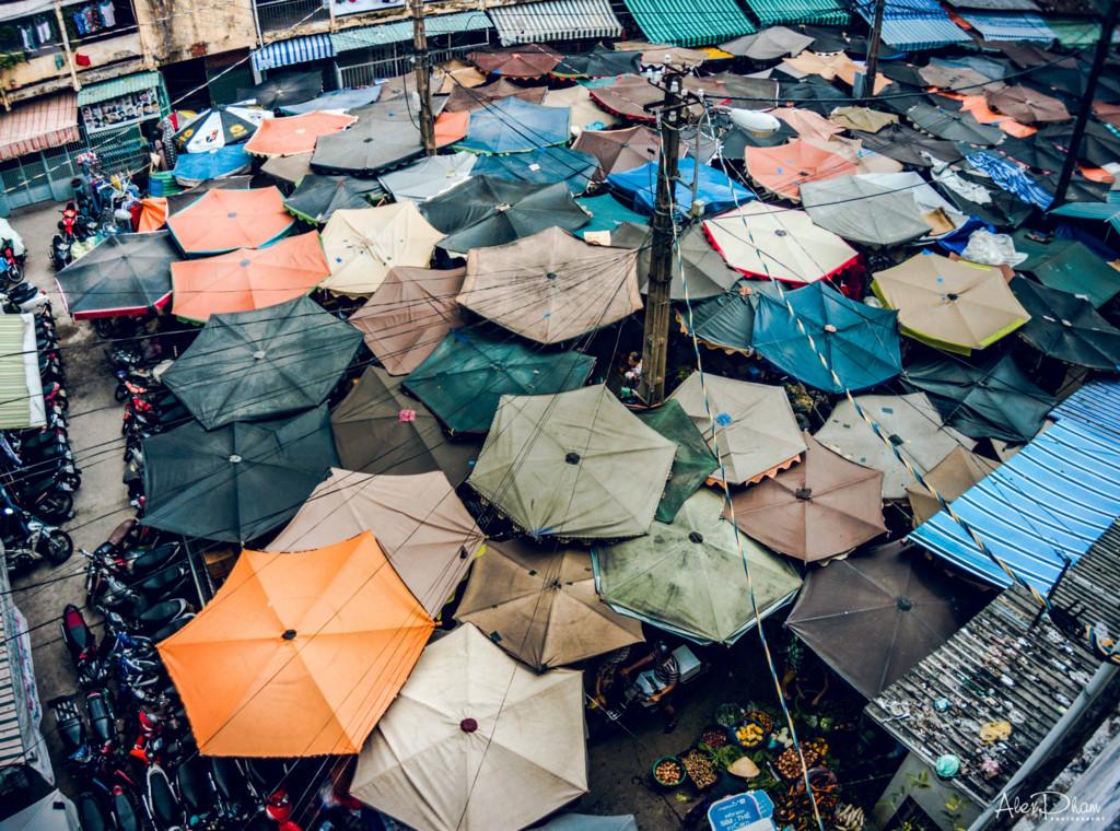 Nhắc đến Sài Gòn mà bỏ qua khu chợ dân sinh là một thiếu sót lớn. Ảnh chụp ngoài trời của Moto Z ấn tượng với người xem nhờ những mảng màu sặc sỡ, riêng biệt.