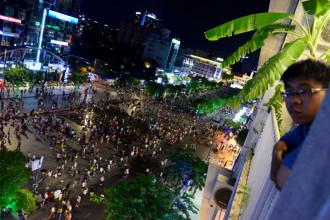 Tháng 4/2015, chính quyền TP.HCM khánh thành phố đi bộ Nguyễn Huệ với chiều dài 670 m, rộng 64 m. Với hai đài phun nước và hệ thống cây xanh đẹp mắt, mỗi ngày nơi đây thu hút hàng nghìn lượt người đến tham quan, vui chơi, chụp ảnh.