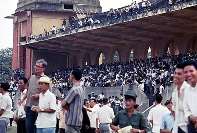 """Trường đua ngựa Phú Thọ được mệnh danh là chốn """"đỏ đen"""" một thời tại Sài Gòn - Ảnh tư liệu."""