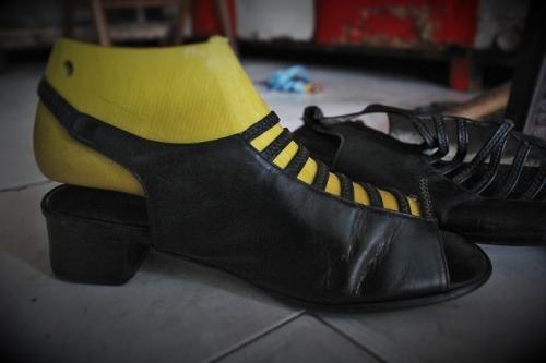Những đôi giày cho thấy sự sáng tạo và cẩm thận trong từng công đoạn. Ảnh: Ngọc Nhiên