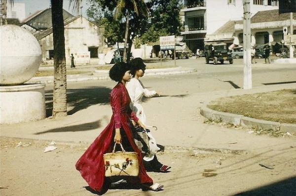Nhìn lướt qua thôi cũng nhận ra đây đích thực là phụ nữ Sài Gòn.
