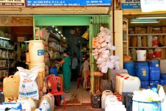 Sẽ sớm chấm dứt hoạt động chợ hóa chất Kim Biên. Ảnh: NLĐO.