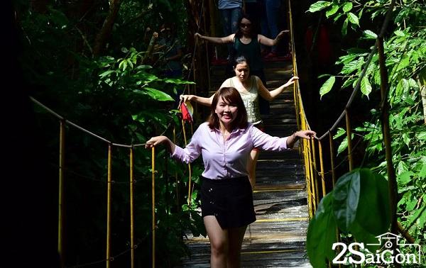 5  Thành phố rừng Madagui đã biến những giấc mơ băng mình – vượt suối như một Tarzan chính hiệu bước ra từ điện ảnh cho những du khách đam mê chinh phục độ cao.