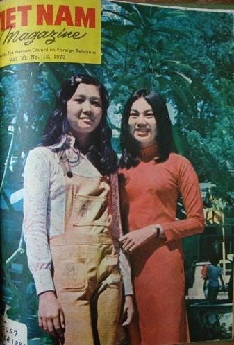 Lê Mai và Thanh Mai, hai nữ sinh ưu tú của trường Trung học Lê Bảo Tịnh tại Sài Gòn trước 1975.