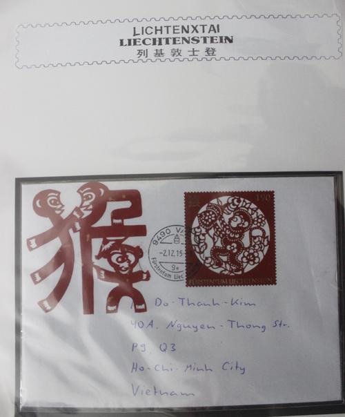 Những bì thư, tem mà bạn bè, người quen tặng ông Kim nhân dịp năm mới Bính Thân.