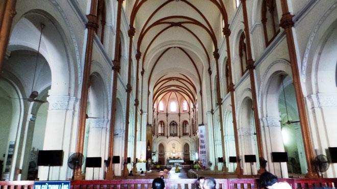 Bên trong nhà thờ 140 tuổi ở Sài Gòn