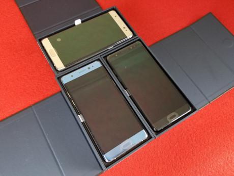 Cũng chính vì thế mà giờ đây người ta mới có thể nhìn thấy cùng lúc cả ba phiên bản màu sắc khác nhau của mẫu máy này.