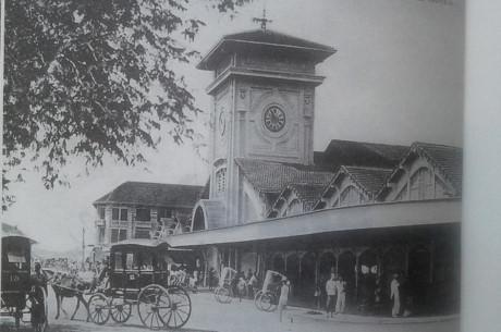 Một góc Sài Gòn xưa. Ảnh chụp lại từ cuốn sách.