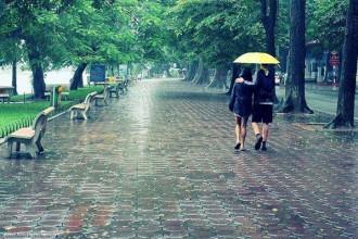 Thời tiết Sài Gòn được ví thất thường như tính tình con gái Sài Gòn. Ảnh tieuphong