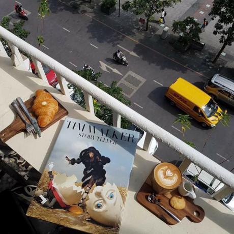 Nếu bạn nghĩ rằng Sài Gòn luôn đông đúc và xô bồ, thì hẳn bạn đã bỏ lỡ những buổi cà phê sáng bình yên.