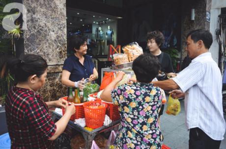 Những bữa xế 'chịu khó' như vầy, cũng là một phần thú vị trong cuộc sống của người Sài Gòn.