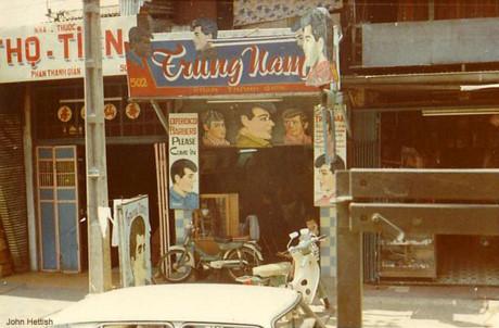 Tiệm hớt tóc tại số 502 đường Phan Thanh Giản.