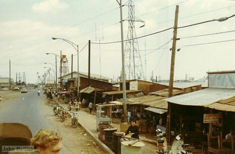 Khu dân cư gần Trại Davis, Tây Nam Tân Sơn Nhất.