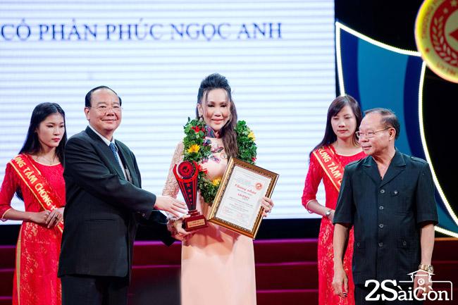 Doanh nhan Do Lan (13)