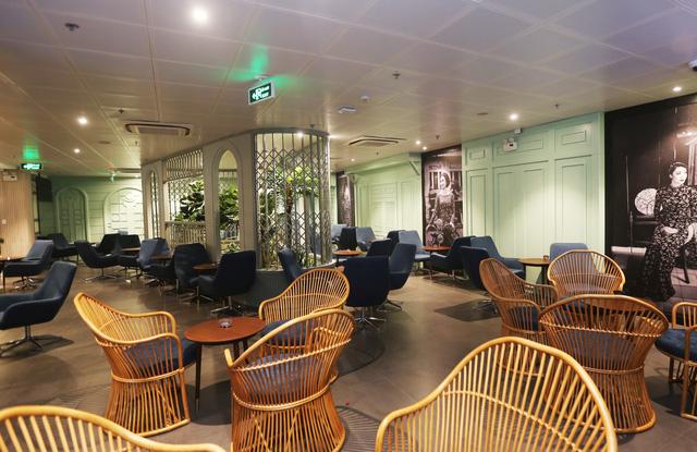Không gian phòng chờ được thiết kế theo phong cách cổ điển.