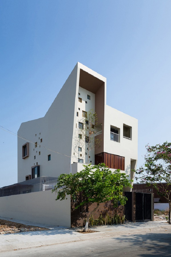 Căn nhà được thiết kế dành cho một cặp vợ chồng và hai con nhỏ.