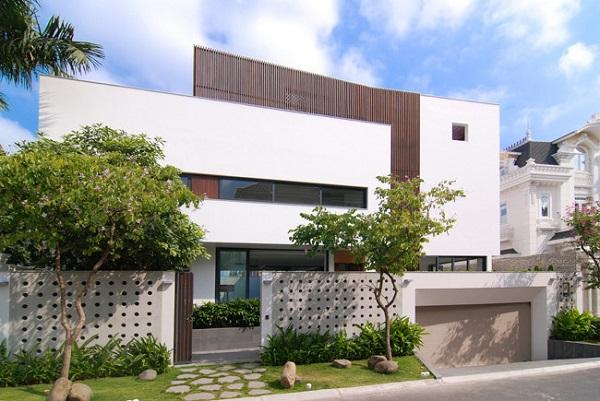 Nhà biệt thự 3 tầng xa hoa này nằm tại quận 2, Thành phố Hồ Chí Minh có không gian vô cùng lý tưởng.