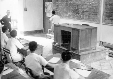 Một lớp học toán ở trường La San Taberd Sài Gòn. Ảnh tư liệu