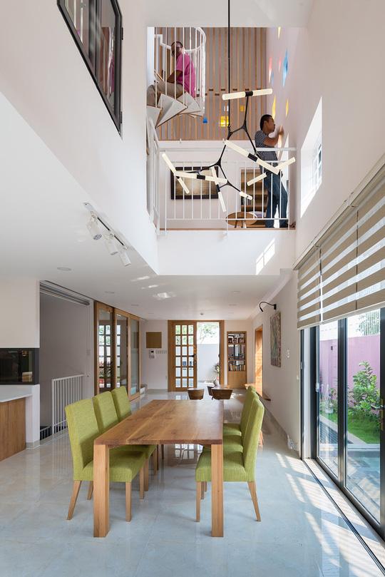 Các kiến trúc sư muốn tạo ra một công trình có thể kết nối tốt các thành viên trong gia đình và kết nối con người với thiên nhiên.