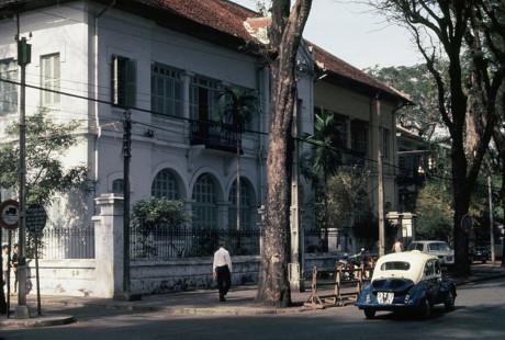 Tòa nhà số 88 Nguyễn Du. Ảnh: D. Hoag.
