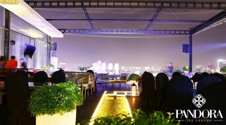 Pandora Rooftop Lounge thuộc sân thượng của một toà nhà trên đường Bùi Thị Xuân, quận 1.