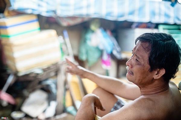 Cùng quan điểm với bà Lan, ông Phan Hoàng Giang cho hay ông chưa chấp nhận dời đi vì còn vướng mắc vấn đề bồi thường đất đai.