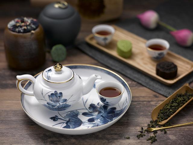 Bộ trà Sen vàng