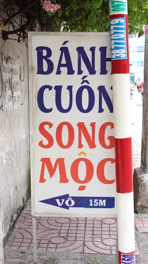Một quán bánh cuốn đúng kiểu Bắc với những câu chuyện thú vị ngay giữa lòng Sài Gòn