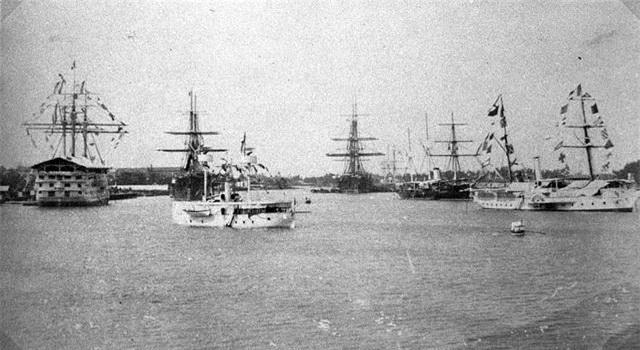 Các hạm tàu trên cảng Sài Gòn (năm 1890).