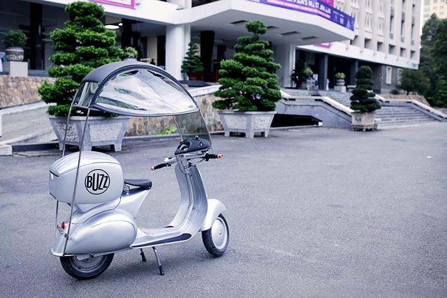 Hiện chưa rõ giá bán của BUZZ 1 tại Việt Nam. Hãng EV Concepts chỉ khẳng định trên trang web của mình là đã nhận đơn đặt hàng dành cho BUZZ 1 từ tháng 1 năm nay.