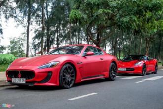 Maserati Granturismo là mẫu coupe bốn chỗ ngồi nổi tiếng của hãng siêu xe Italy. Chiếc xe này được chủ xe độ lại phong cách MC Stradale, với hốc gió lớn ở cản trước. Đỗ ngay phía sau là chiếc xe thể thao Chevrolet Corvette.