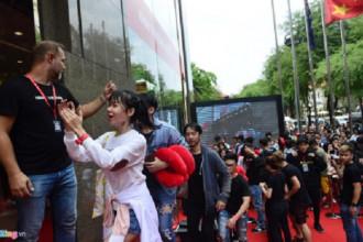 Đúng 11h trưa ngày 9/9, những khách hàng đầu tiên đã được trải nghiệm mua sắm tại cửa hàng thời trang H&M xuất hiện đầu tiên ở Việt Nam tại TTTM Vincom Đồng Khởi (quận 1, TP.HCM).