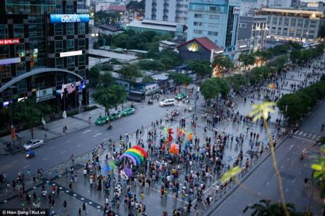 Sự kiện được tổ chức trong nhiều ngày với hoạt động kết thúc là buổi diễu hành và các hoạt động ngoài trời tại phố đi bộ Nguyễn Huệ
